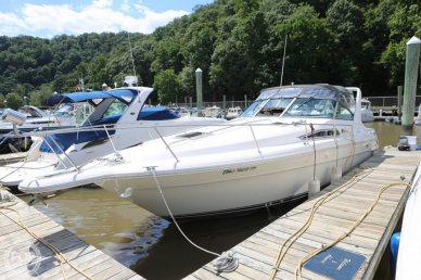 Sea Ray 310 Express Cruiser, 35', for sale