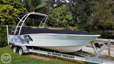 North American Custom 22, 25', for sale - $25,000
