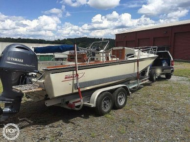 Boston Whaler Outrage 22 Cuddy, 22', for sale