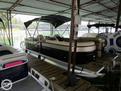 Crest II 230, 230, for sale - $43,250