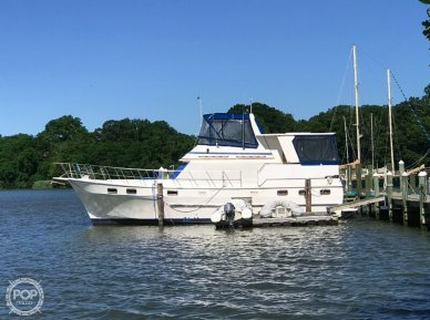 Nova Marine Sundeck 42, 42, for sale - $43,900
