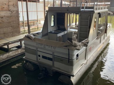 Sun Tracker 30 Party Hut, 30, for sale - $18,250