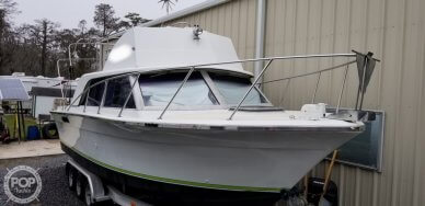 Silverton 28 Sedan, 28, for sale - $17,950