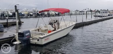 Boston Whaler 22 Outrage, 22, for sale - $15,850