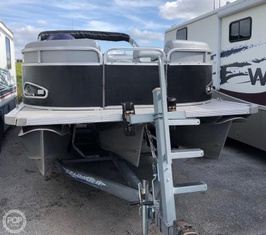 Avalon 24, 24, for sale - $30,000