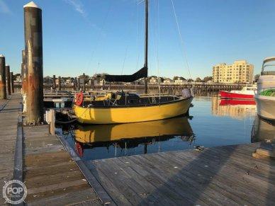 Bayliner 30: Bucaneer, 30, for sale - $8,000