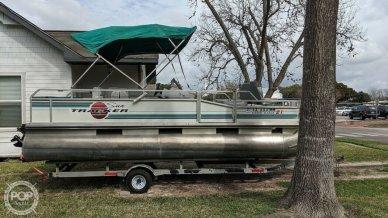 Sun Tracker Fishin Barge 21, 21, for sale