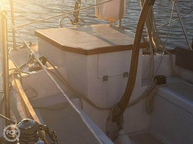 Transom with Tiller/Enclosed Outboard Housing