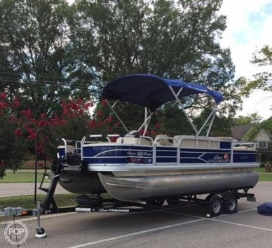Sun Tracker Fishing Barge 22DLX, 22, for sale - $36,200