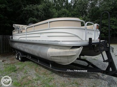 Sun Tracker Party Barge, 26', for sale - $35,600