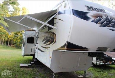 2010 Montana 3665RE - #2