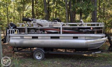 Sun Tracker Bass Buggy 18 DLX, 18, for sale