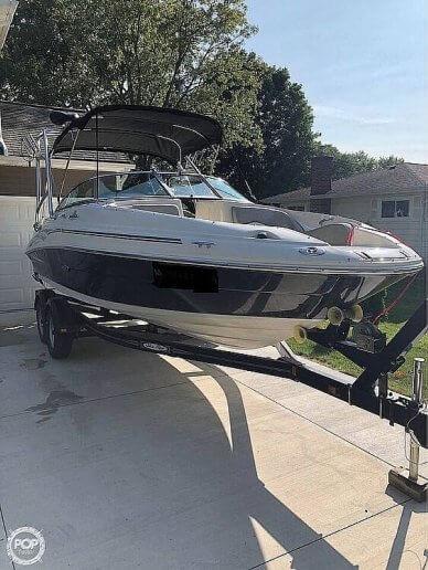 Sea Ray 220 Sundeck, 220, for sale