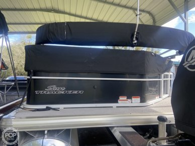 Sun Tracker 22 DLX Party Barge, 22, for sale - $24,000