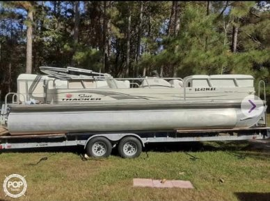 Tracker Regency, 27', for sale - $19,750