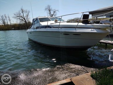 1983 Sea Ray SRV 360 Express - #2