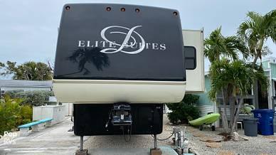 2012 Elite Suites 38RESB3 - #2