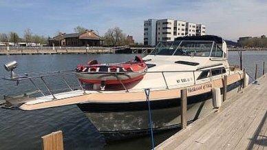 1985 Cruisers Yachts Avanti Vee