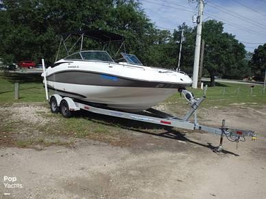 Rinker Flotella 228, 228, for sale - $41,700