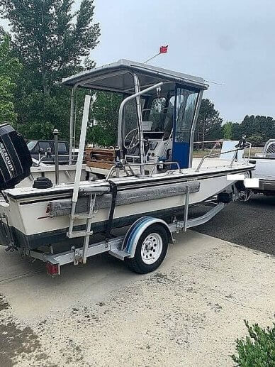 Boston Whaler 19 Outrage, 19, for sale - $26,800