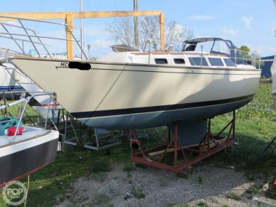 S2 Yachts 11.0, 36', for sale - $42,250