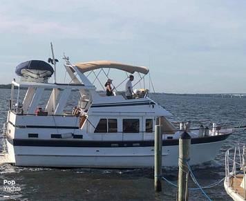 Marine Trader Sundeck, 39', for sale - $89,500