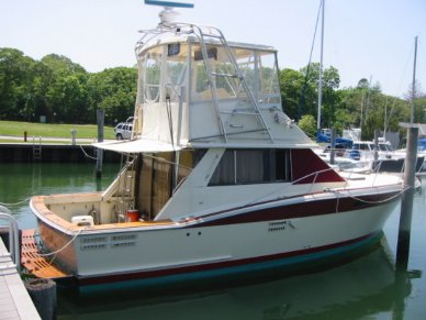 1983 Trojan 36 Flybridge Convertible