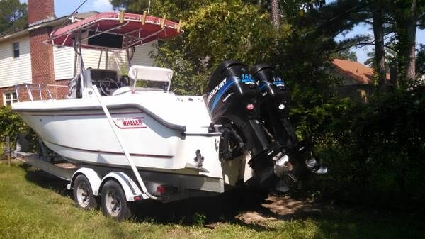 Boston Whaler 230 Outrage, 23', for sale - $45,000