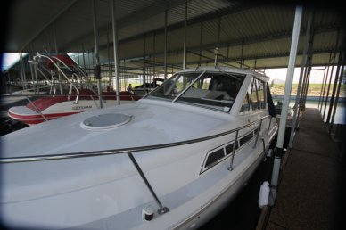 Carver 28 Express Cruiser, 27', for sale - $32,200
