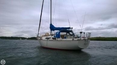 C & C Yachts Landfall 35, 34', for sale - $10,500