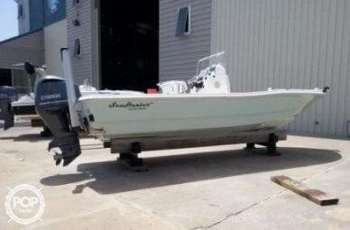 Sea Hunter 24 Crossover, 24, for sale - $66,000
