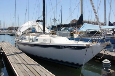 Ericson Yachts E38, 38', for sale - $43,900