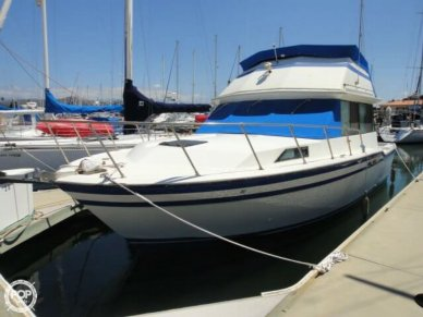 Fiberform 3300 Executive Flybridge, 34', for sale - $39,500
