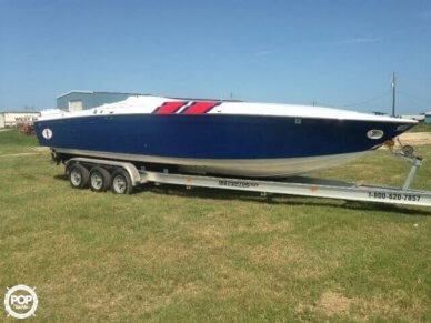 Cigarette Racing Team 31 Bullet, 31', for sale - $32,000