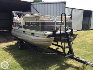 Sun Tracker 16 DLX Party Barge, 16', for sale - $18,998