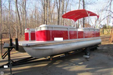 Smoker Craft 824 Sunsport Cruise, 24', for sale - $15,000