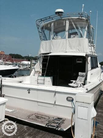 Sea Ray SRV 390, 39', for sale - $19,000