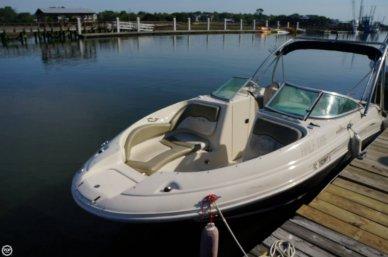 Sea Ray 220 Sundeck, 23', for sale - $21,900