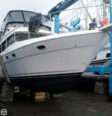 Bayliner 4587 Cockpit Motor Yacht, 54', for sale - $170,000