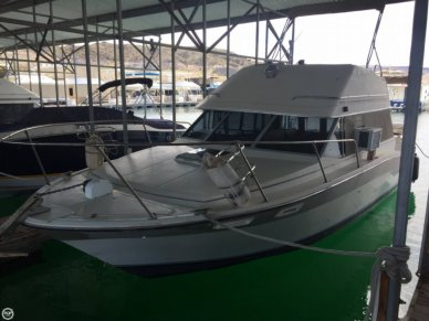 Bayliner 2850 Sedan Bridge, 27', for sale - $10,000
